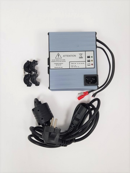 Chargeur batterie HF pour Autolaveuse VIPER AS 380 / 15C